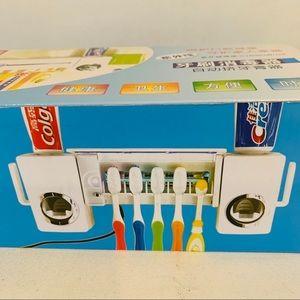 UV Light Sterilizer Toothbrush Holder Auto Squeeze